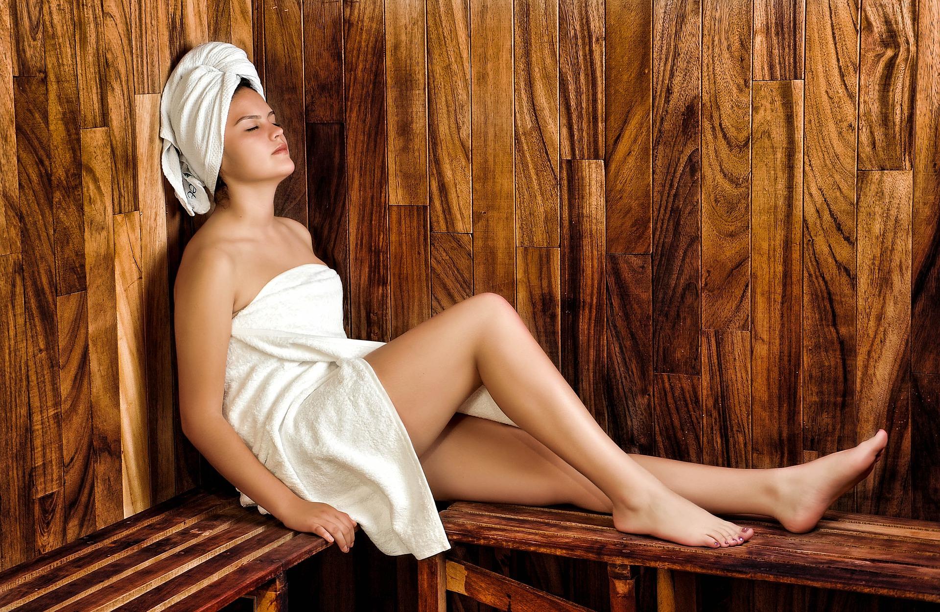 women 936549 1920 - Como uma visita ao spa pode ajudá-lo de várias maneiras