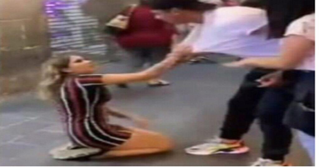 """4345444 1024x538 - Depois de se humilhar para voltar com o ex no meio da rua, a garota ganha um; """"Eu não te quero mais"""""""