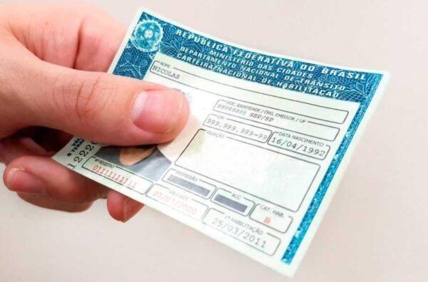 cnh multa e1614824773673 - Novas leis de trânsito poderão adiar suspensão da CNH por acúmulo de pontos a partir de Abril