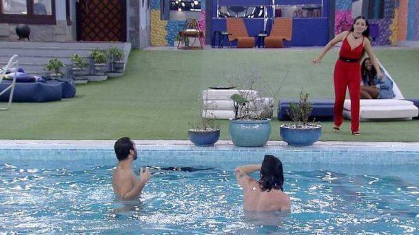 Gil e Fiuk juliette - BBB21: Reação de Fábio Junior ao ver cena de Fiuk e Gil sem roupas na piscina, viraliza;  Vídeo: