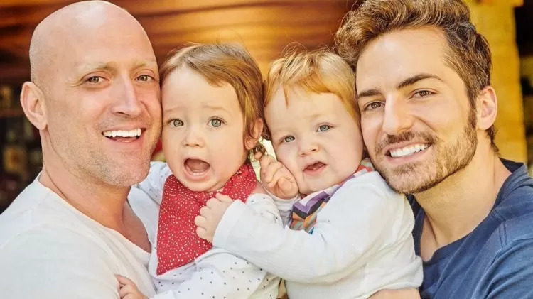 paulo gustavo e o marido thales bretas com os filhos gael e romeu - Últimas palavras de Paulo Gustavo são reveladas e emocionam a todos