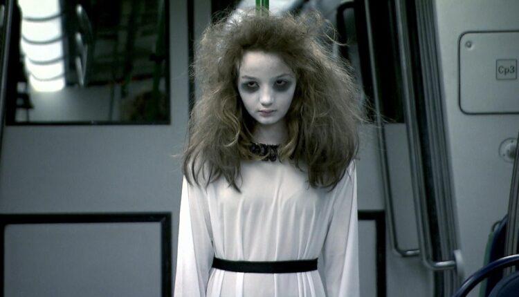 ana silvio santos 750x430 - Lembra dela? 'Menina Fantasma' da pegadinha de Silvio Santos cresceu e está uma mulher de perder o fôlego; veja fotos