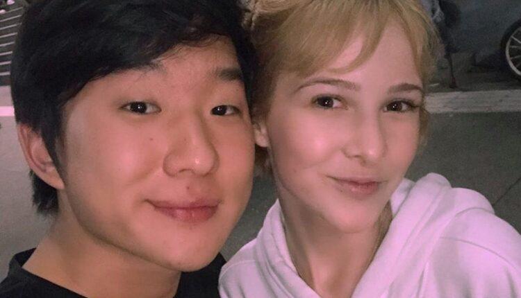 pyong e sammy lee 750x430 - Vídeo: Depois de boatos de traição, Record expõe Pyong Lee e Antonela debaixo do edredom no 'Ilha Record'; Assista